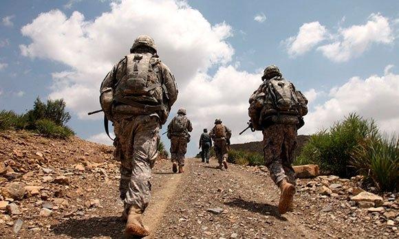 Солдаты бегают