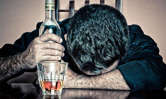 Злоупотребление мужчиной алкоголя